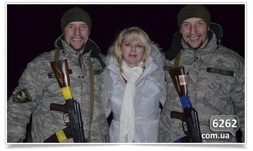 Волонтёры из Славянска доставили помощь бойцам батальона Айдар в Счастье (фото) - фото 1