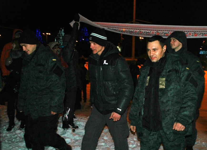 ФОТОРЕПОРТАЖ: В Запорожье встретили бойцов Нацгвардии с блокпостов в зоне АТО, фото-3