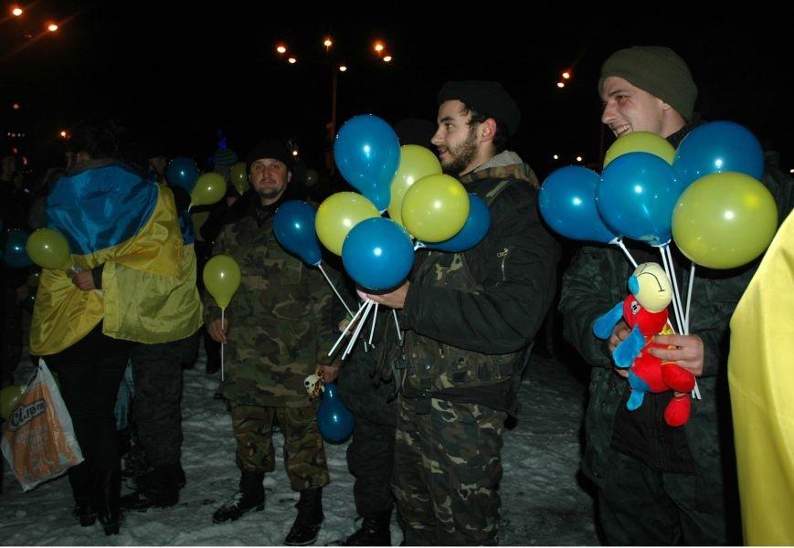 ФОТОРЕПОРТАЖ: В Запорожье встретили бойцов Нацгвардии с блокпостов в зоне АТО, фото-19