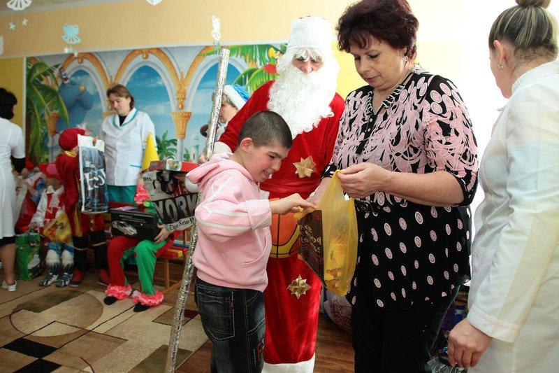Воспитанники еще одного интерната получили ответ на письмо Деду Морозу (фото) - фото 4