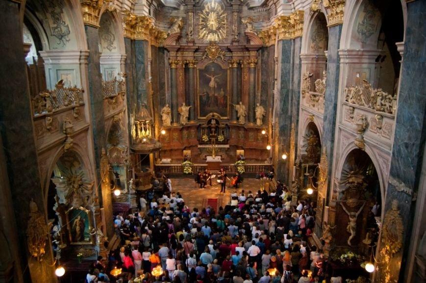 Підсумки року: у гарнізонному храмі святих апостолів Петра і Павла зібрали 7 мільйонів гривень для АТО (ФОТО) (фото) - фото 1