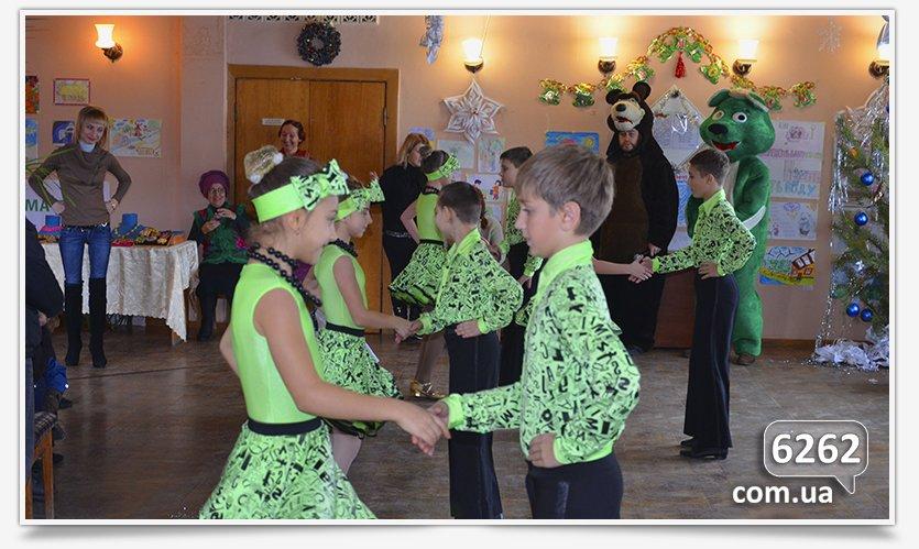 В Славянске устроили праздник для самых маленьких переселенцев. (фото) - фото 3