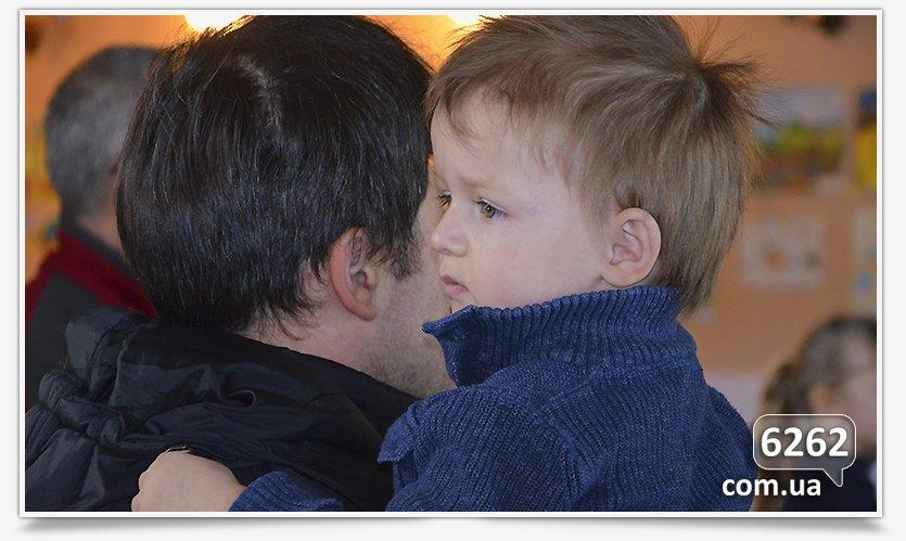 В Славянске устроили праздник для самых маленьких переселенцев. (фото) - фото 2