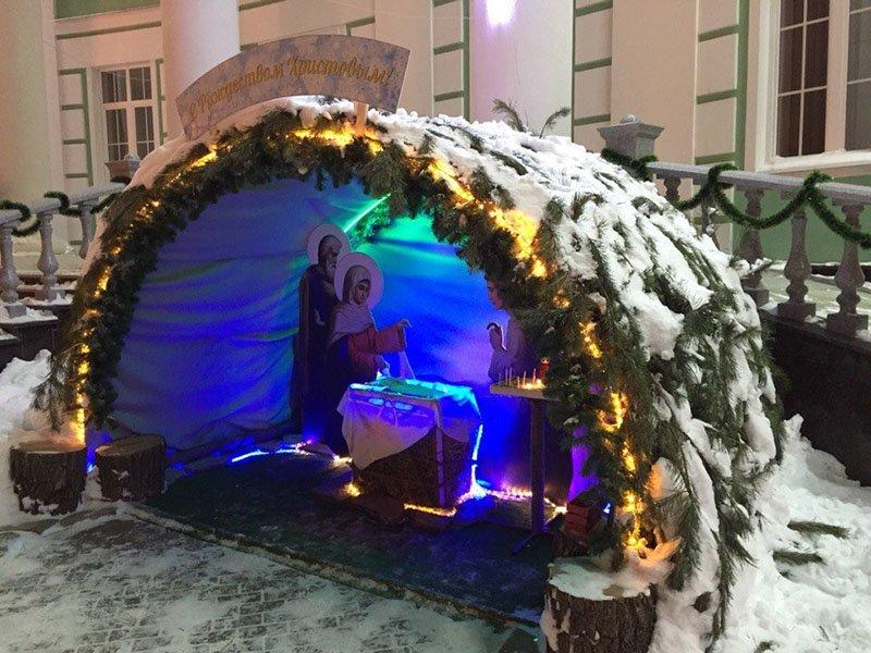 Ночь перед Рождеством. В православных храмах Белгорода прошли праздничные службы (фото) - фото 1