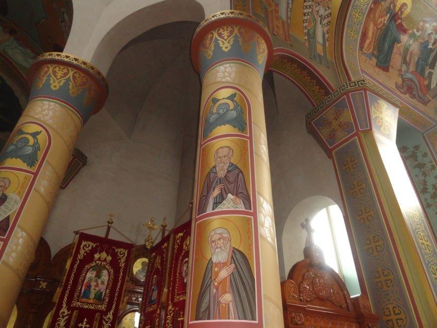 Визуализированная молитва наполнила мариупольский храм (ФОТО) (фото) - фото 1