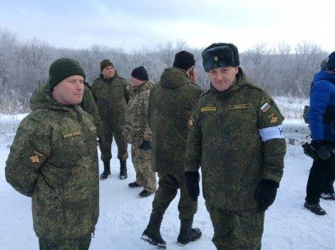 Как «киборгов», прибывших на ротацию, обыскивают «ДНРовцы» (ВИДЕО, ФОТО) (фото) - фото 2