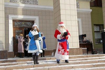 В Макеевке прошли рождественские гулянья (фото) - фото 1