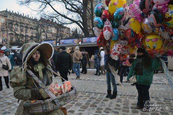 У Львові стартувало Свято Пампуха. День перший (ФОТОРЕПОРТАЖ) (фото) - фото 9