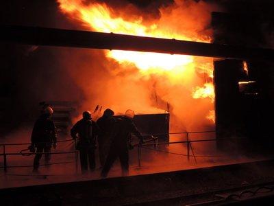В столице горит цех по обработке дерева (ФОТО) (фото) - фото 1