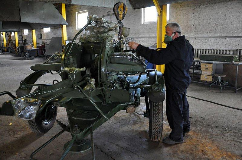 Артиллерию для военных восстанавливают в Ровно (фото) - фото 1