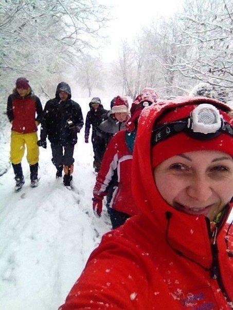 Инструкторы из Белореченска встретили Рождество на зимних заснеженных склонах (фото) - фото 1