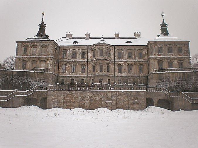 По Підгорецькому замку бродить Біла Леді, а в Кременецькому ридають вбиті діви (фото) - фото 5