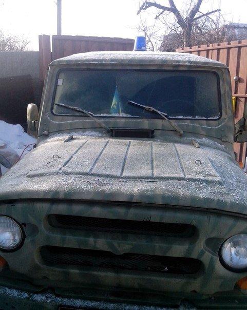 Фотофакт: Запорожская Самооборона Майдана ремонтирует броневик (фото) - фото 1