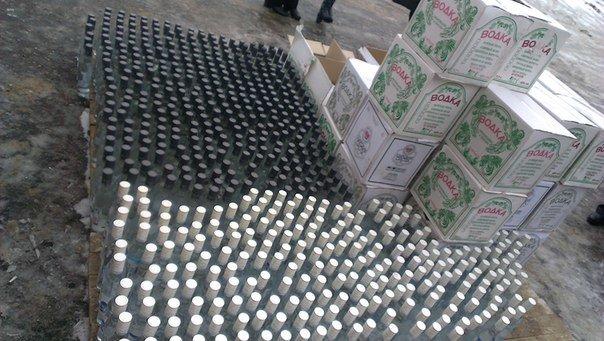 В Зельвенском районе задержали гродненца с 1500 бутылок российской водки (Фото, Видео) (фото) - фото 5