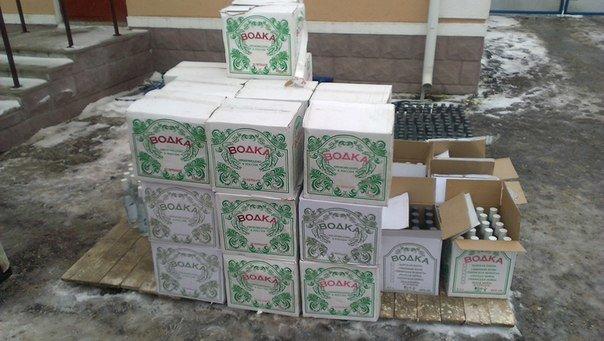 В Зельвенском районе задержали гродненца с 1500 бутылок российской водки (Фото, Видео) (фото) - фото 4