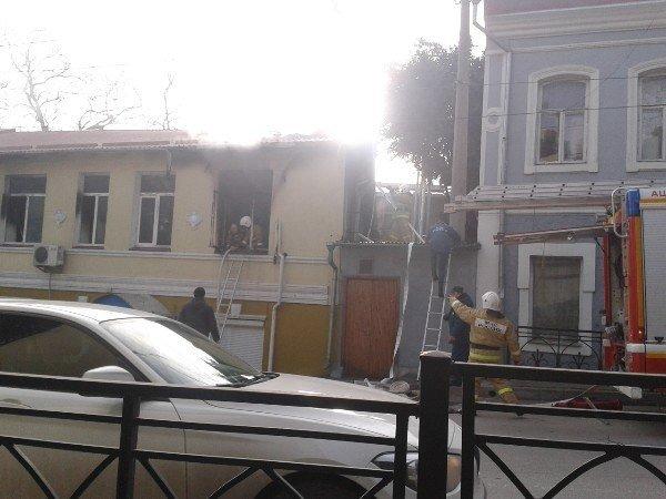 В Ялте горело здание полицейского участка (ФОТО, ВИДЕО) (фото) - фото 7
