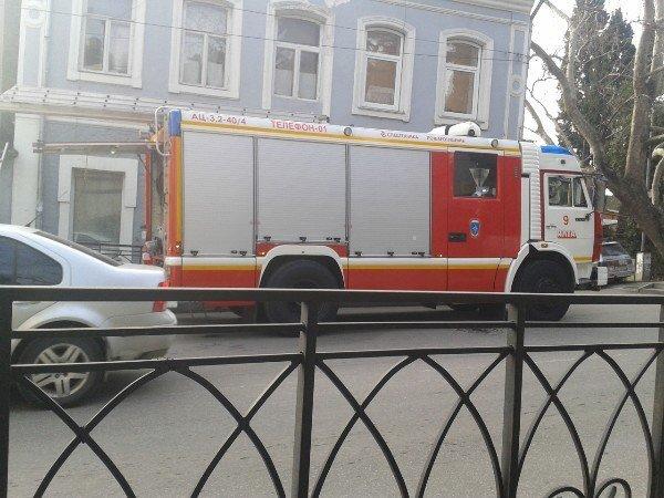 В Ялте горело здание полицейского участка (ФОТО, ВИДЕО) (фото) - фото 4