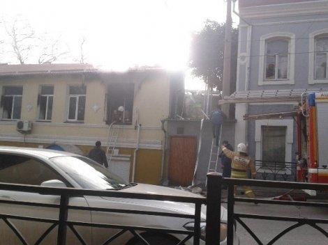 В Ялте горело здание полицейского участка (ФОТО, ВИДЕО) (фото) - фото 5