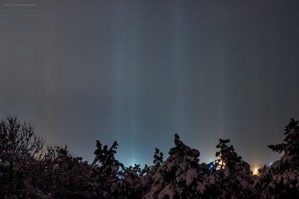 ФОТОФАКТ: В Рождество над Симферополем появились «световые столбы» (фото) - фото 1