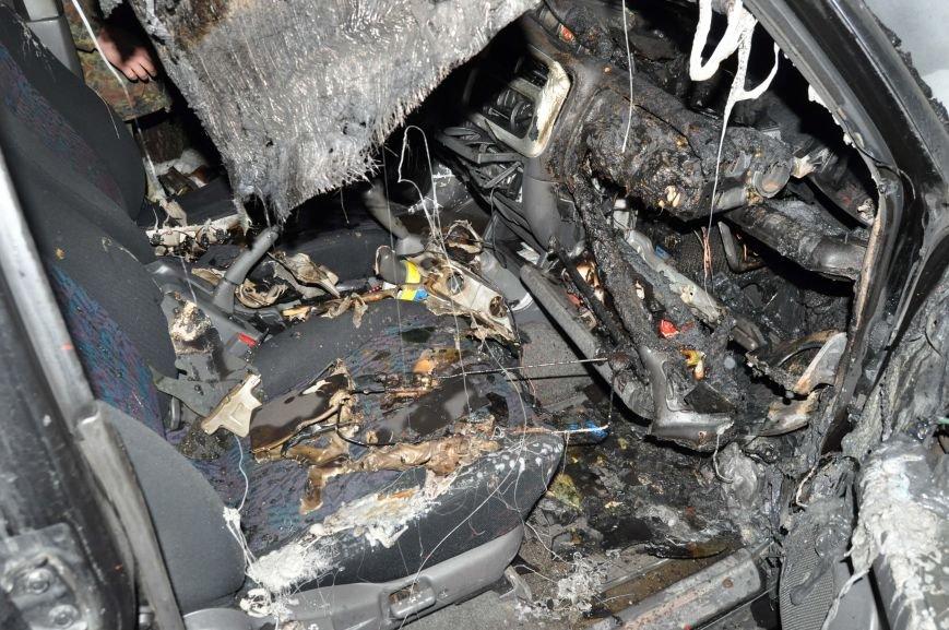 В Запорожье сожгли машину местной Самообороны (ФОТО), фото-6