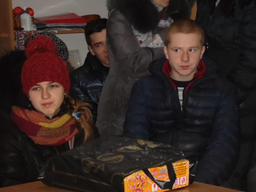 Діти з зони АТО, які перебували у Тернополі на різдвяних канікулах, повернулися додому (ФОТОРЕПОРТАЖ) (фото) - фото 2