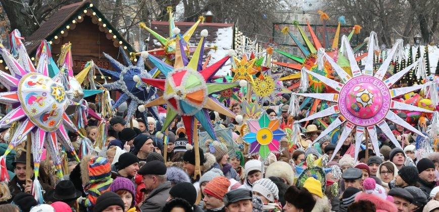 Різдвяний ярмарок відвідали 10 тисяч львів'ян та гостей міста (ФОТОРЕПОРТАЖ) (фото) - фото 4