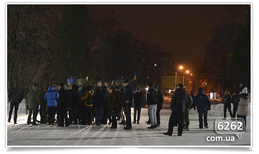 В Славянске на защиту Ленина было брошено семь единиц техники. (фото) - фото 6