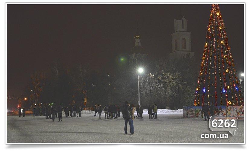 В Славянске на защиту Ленина было брошено семь единиц техники. (фото) - фото 1