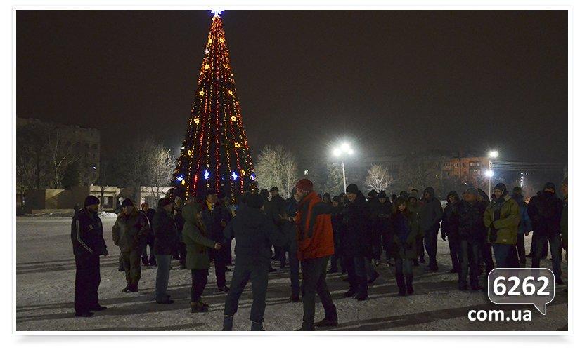 В Славянске на защиту Ленина было брошено семь единиц техники. (фото) - фото 2
