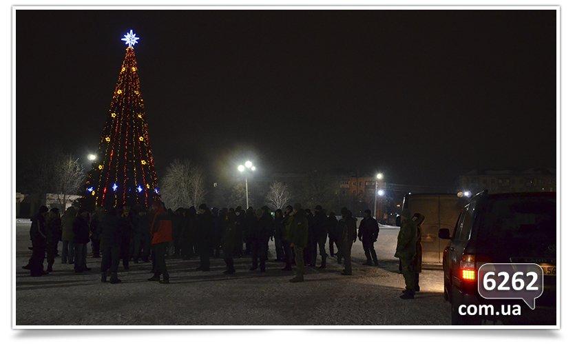 В Славянске на защиту Ленина было брошено семь единиц техники. (фото) - фото 4