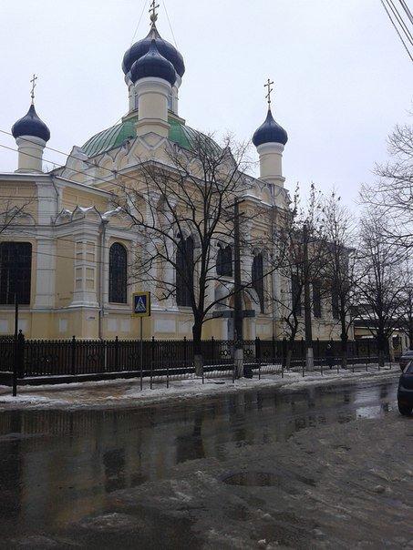 Резкое потепление превратило улицы Симферополя в венецианские каналы: Горожане ругают украинскую власть (ФОТО) (фото) - фото 1