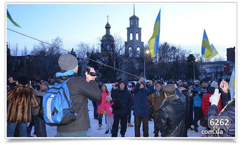 В Славянске состоялся флэшмоб сноса Ленина (фото) - фото 4