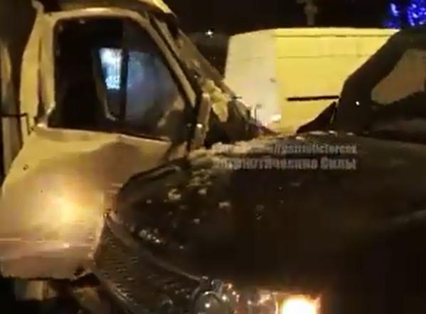 В центре Донецка джип с боевиками лоб в лоб влетел в микроавтобус с людьми (ФОТО), фото-3