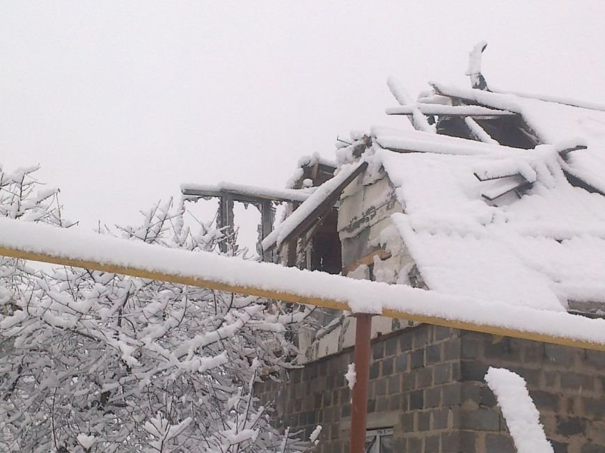 В Донецке на 3 Восточном от обстрелов в доме погибла семья (ФОТО) (фото) - фото 1
