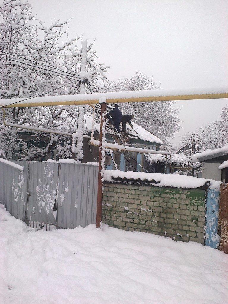 В Донецке на 3 Восточном от обстрелов в доме погибла семья (ФОТО) (фото) - фото 2