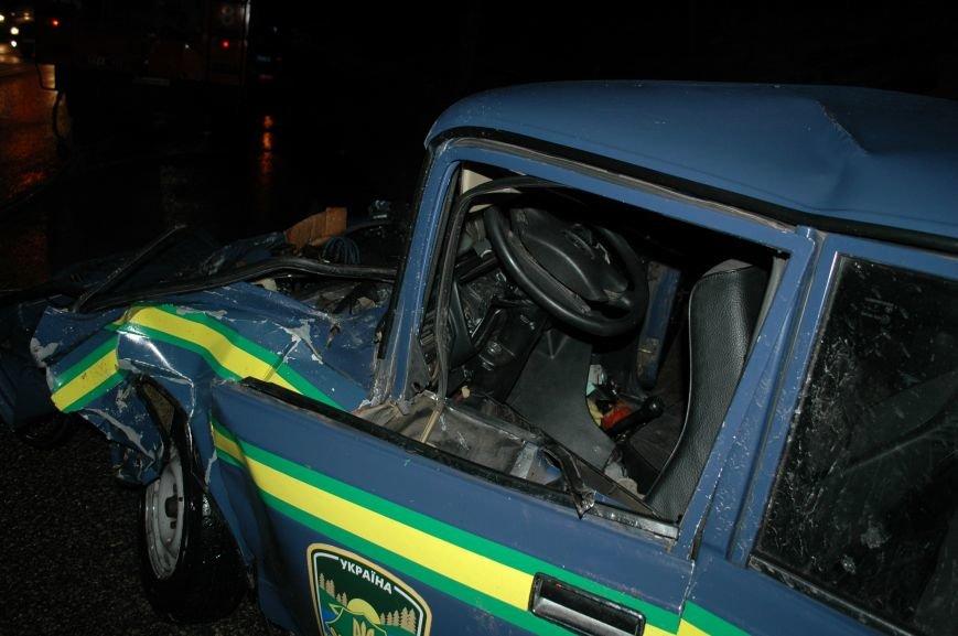В Запорожье произошло серьезное ДТП с участием маршрутки и машины лесной охраны (ФОТО, ОБНОВЛЕНО), фото-9