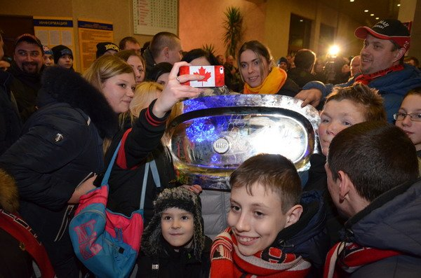 Гродненцы торжественно встретили хоккеистов «Немана» привезших Континентальный кубок (Фото), фото-6