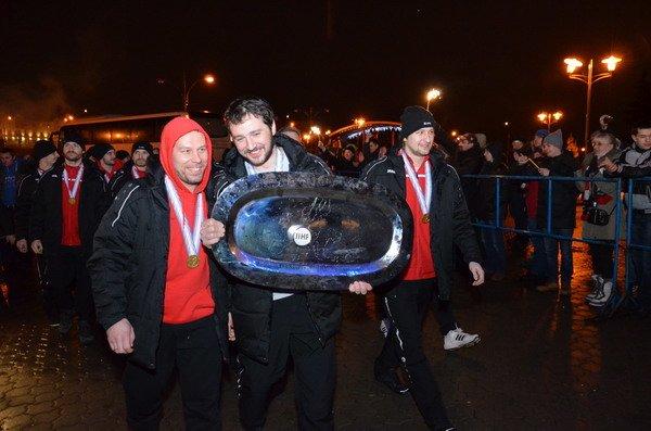 Гродненцы торжественно встретили хоккеистов «Немана» привезших Континентальный кубок (Фото), фото-5