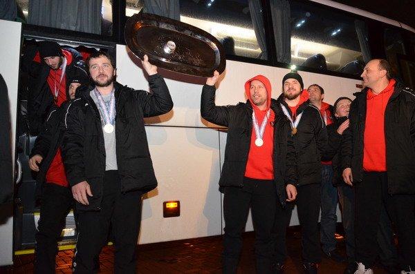 Гродненцы торжественно встретили хоккеистов «Немана» привезших Континентальный кубок (Фото), фото-2
