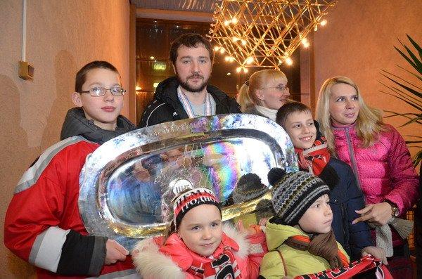 Гродненцы торжественно встретили хоккеистов «Немана» привезших Континентальный кубок (Фото), фото-7