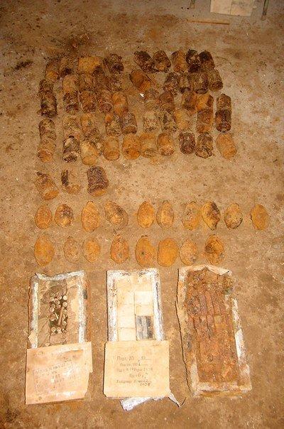 В Волковыске на территории ЖКХ нашли более 200 гранат и 2 тыс патронов (Фото) (фото) - фото 7