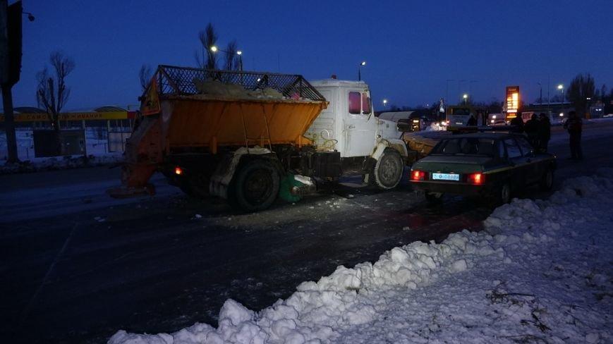 В Мариуполе на Краснофлотской «слепой» водитель маршрутки сбил человека (ФОТОФАКТ) (фото) - фото 1