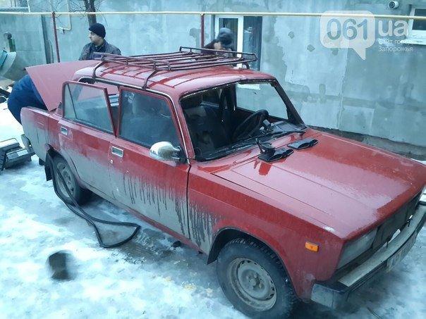 12 января: взрыв машины в Мелитополе, акт вандализма над могилой бойца АТО и серьезное ДТП с участием маршрутки (фото) - фото 1