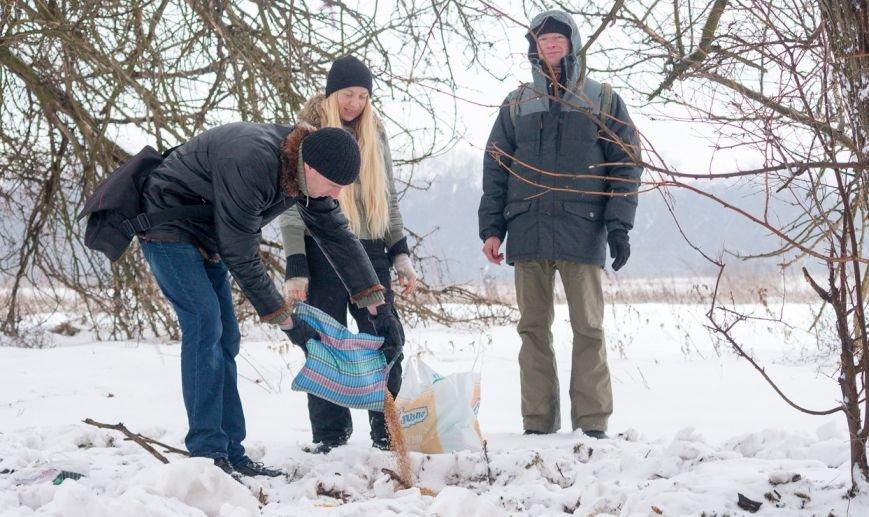 В Запорожье энтузиасты устроили зимнюю кормежку на Хортице (ФОТО), фото-4