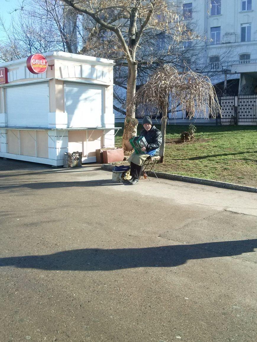 ФОТОРЕПОРТАЖ: С приходом тепла «ожили» крымские набережные (фото) - фото 5