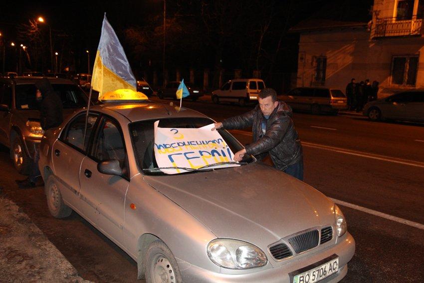 Як у Львові зустріли Героїв АТО: додому повернулись 500 десантників (ФОТОРЕПОРТАЖ) (фото) - фото 26