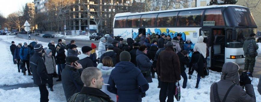 В Николаев вернулись из Донбасса герои АТО (ФОТО) (фото) - фото 1