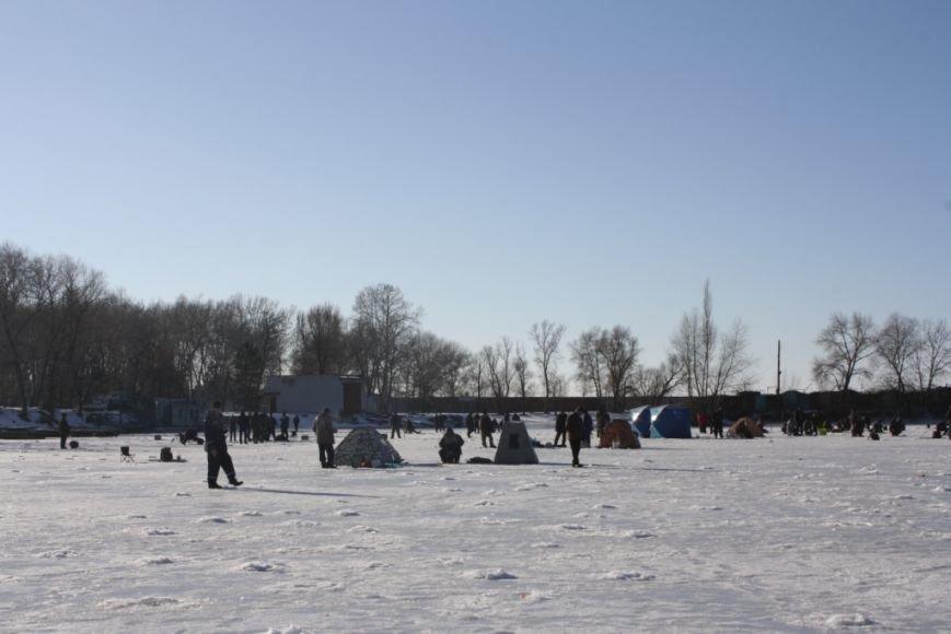 Спасатели и рыбинспекторы предостерегают любителей зимней рыбалки не рисковать собственными жизнью (фото) - фото 4