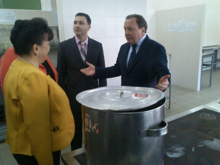 В Днепродзержинской школе №34 торжественно открыли новый пищеблок, фото-9