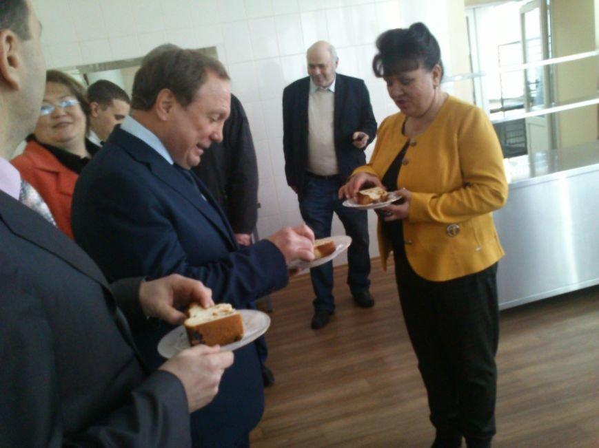 В Днепродзержинской школе №34 торжественно открыли новый пищеблок, фото-5